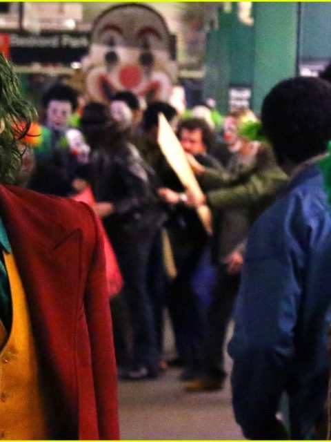 joaquin phoenix transforms into the joker filming riot scene 29