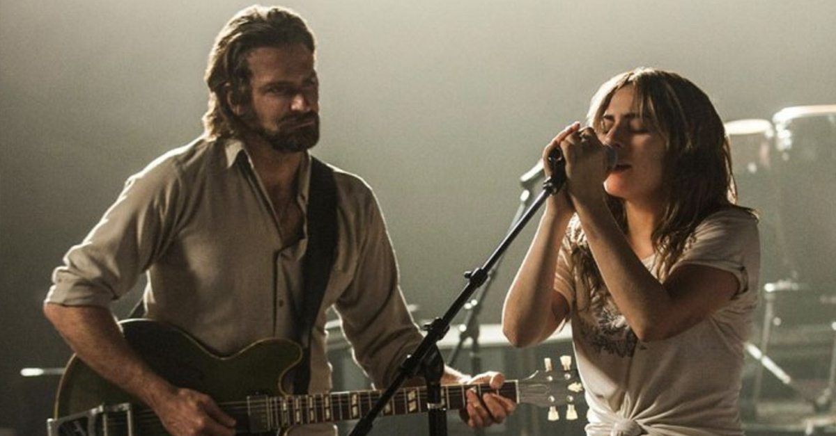 A STAR IS BORN LADY GAGA Bradley Cooper NASCE UMA ESTRELA