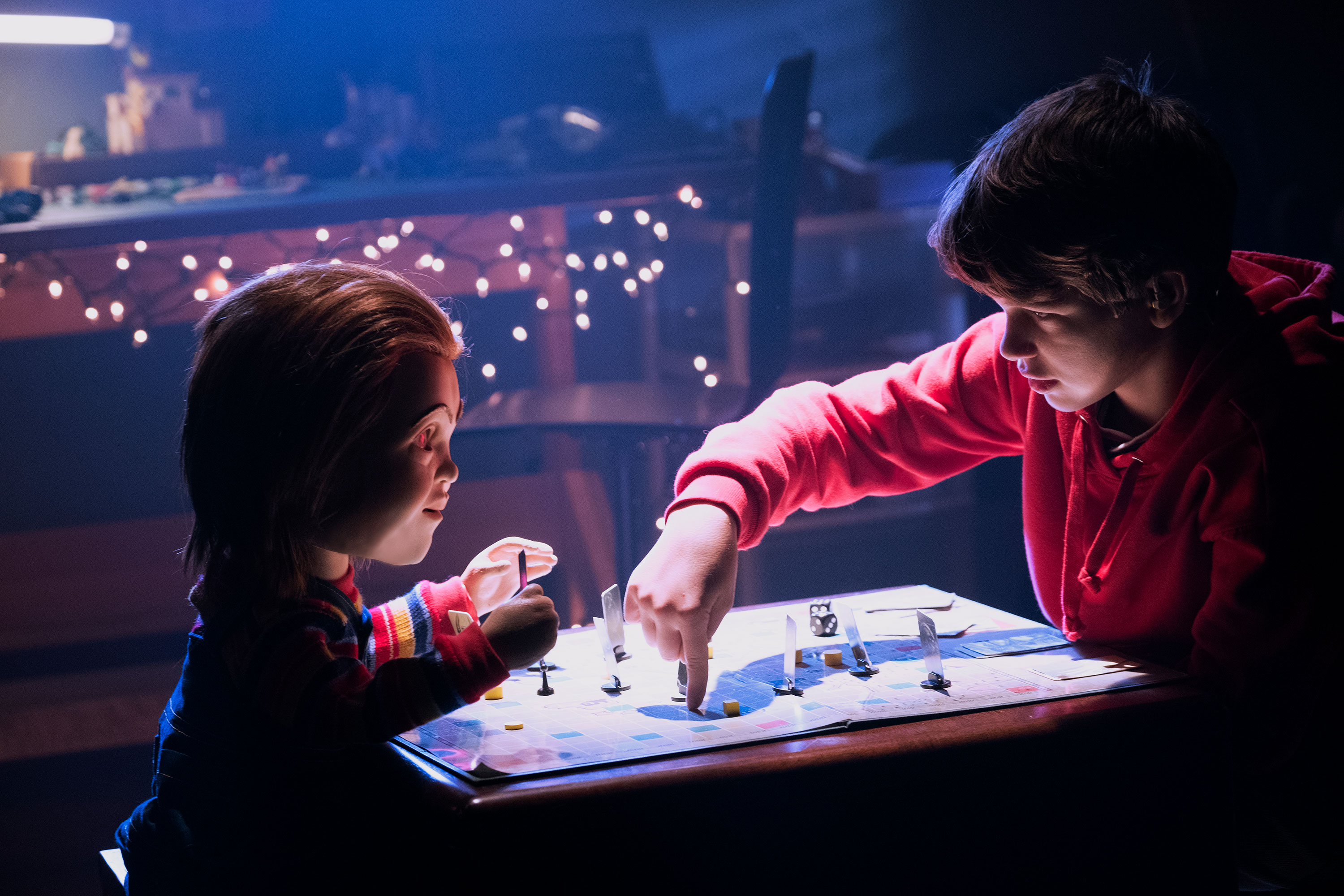 Chucky and Gabriel Bateman in CHILDS PLAY1