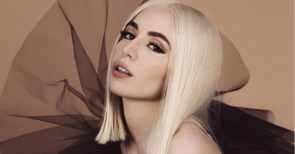 AVA MAX HEAVEN AND HELL 1