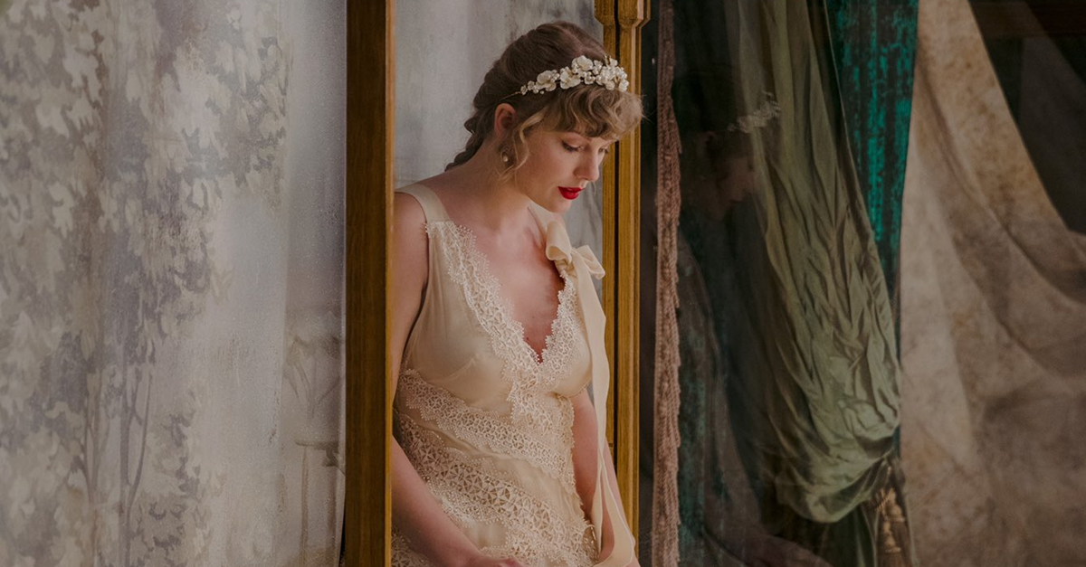 TAYLOR SWIFT EVERMORE